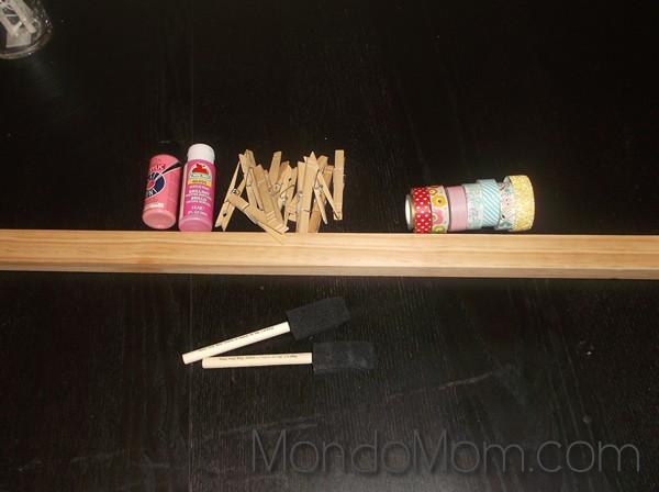 kids art display: supplies