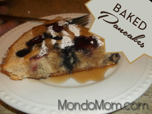 Recipe for baked pancake with berries and maple syrup