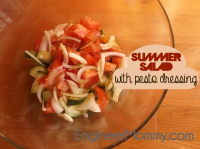 Light summer salad with pesto dressing