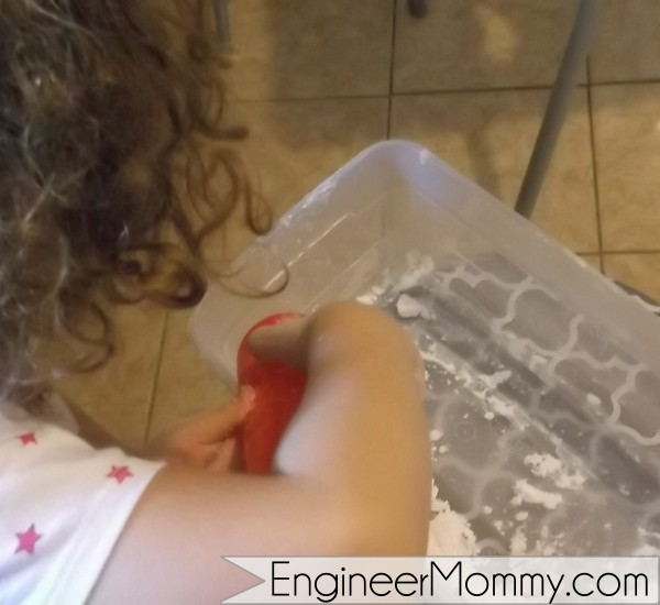 Kids sensory science experiment