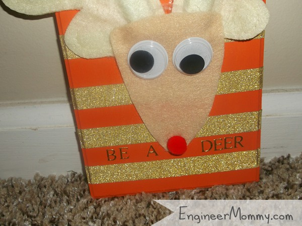 DIY Reindeer Sign