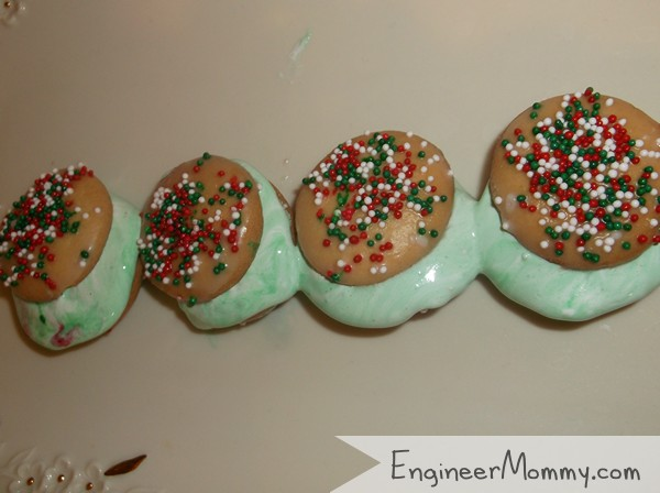 Green Elf Sandwich Cookies