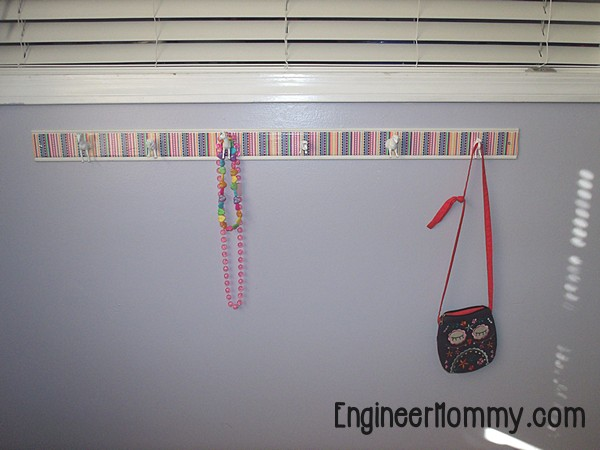 DIY Plastic Animal Hooks: A Kid's Room Project