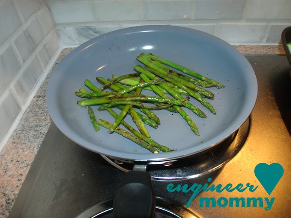 The EASIEST Asian Sesame Asparagus