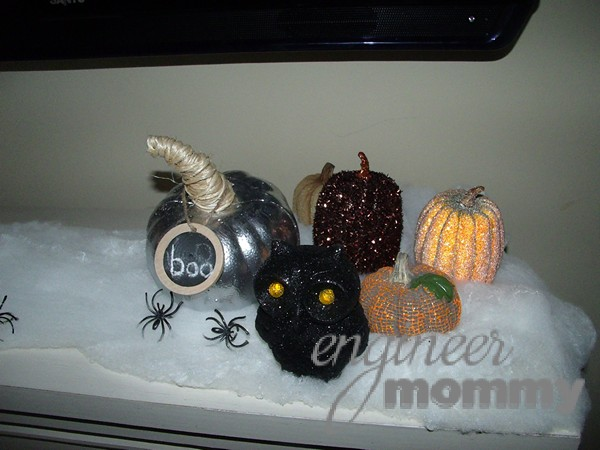 Our Halloween Fireplace Mantel & Decor Ideas