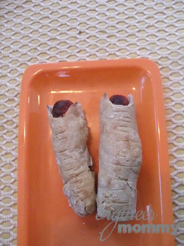 Halloween Snack: Huge Monster Fingers