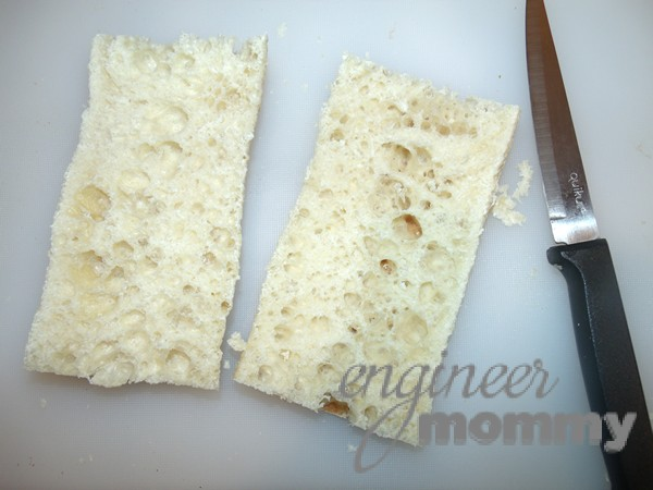 Garlic Bread: Slicing the bread lengthwise