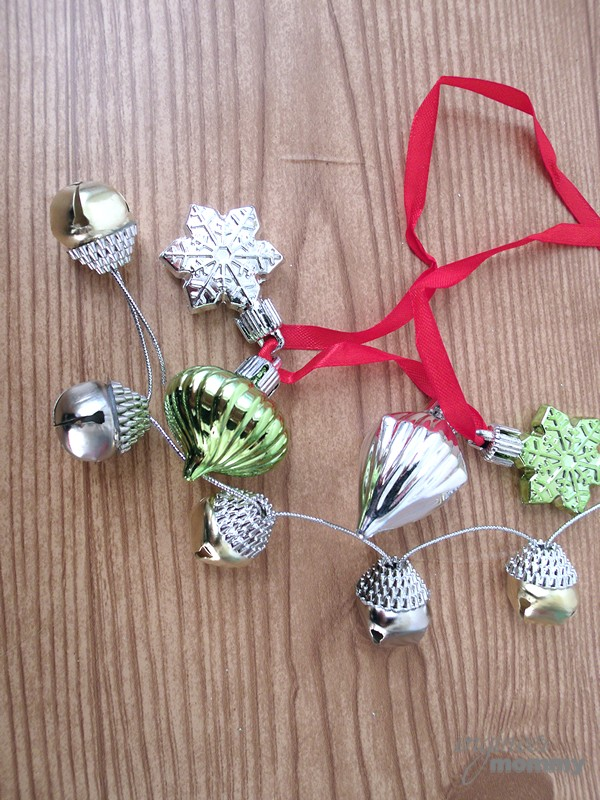 DIY Modern Christmas Wreath: Collecting the Jingle Bells & Small Ornaments