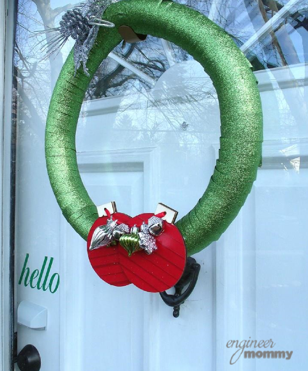 DIY Modern Christmas Wreath