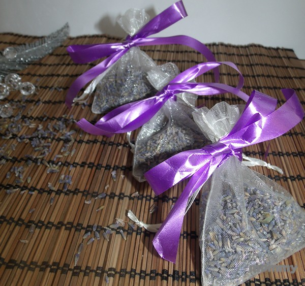 DIY Lavender Sleep Sachets