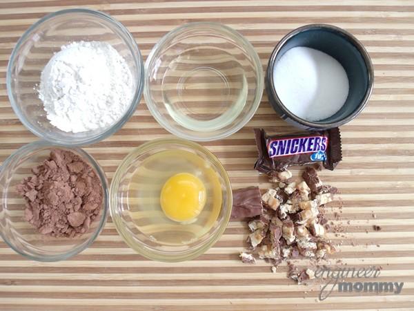 SNICKERS® Molten Mug Cake