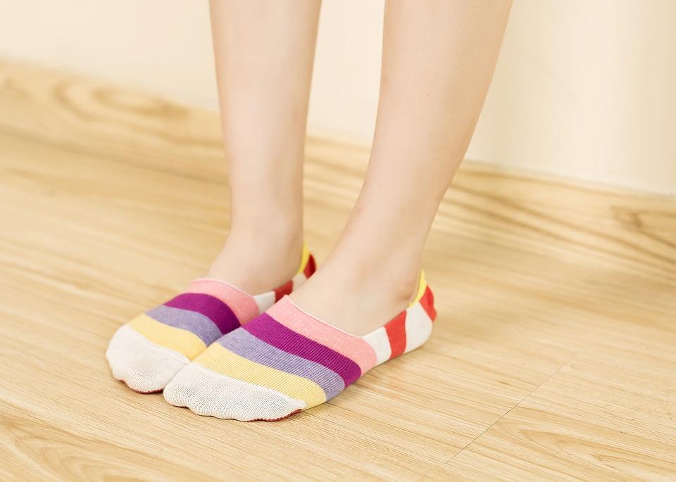invisible-socks-1260368_960_720