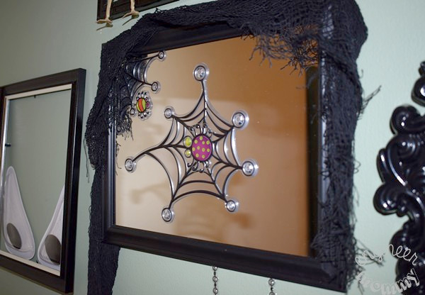 DIY Dollar Tree Halloween Gallery Wall
