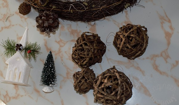 DIY Rustic Christmas Grapevine Wreath