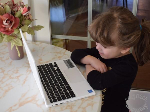 5 Tips to Keep Kids Safe Online