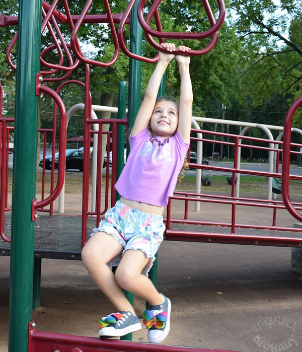 5 Reasons to Encourage Outdoor Play