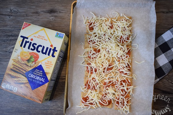 Pepperoni Pizza Triscuit Tray